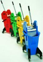 Úklidový vozík červený